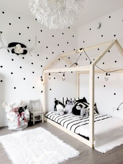 Modern Minimalist House Design In Black And White Color Scheme 10