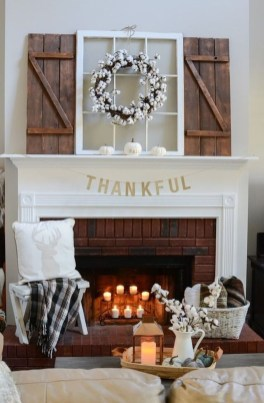 Nice Mantel Decorations Best For Winter 44