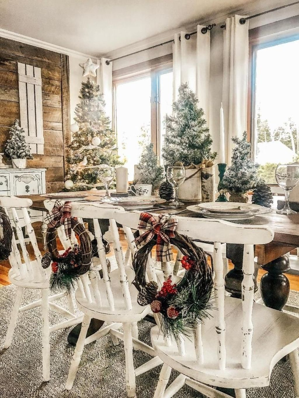 Perfect Ideas To Have Great Vintage Christmas Decoration 27