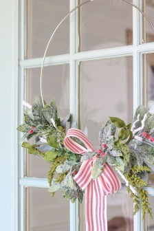 Perfect Ideas To Have Great Vintage Christmas Decoration 43
