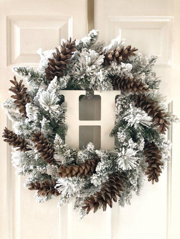 Popular Winter Front Door Decoration Ideas 15