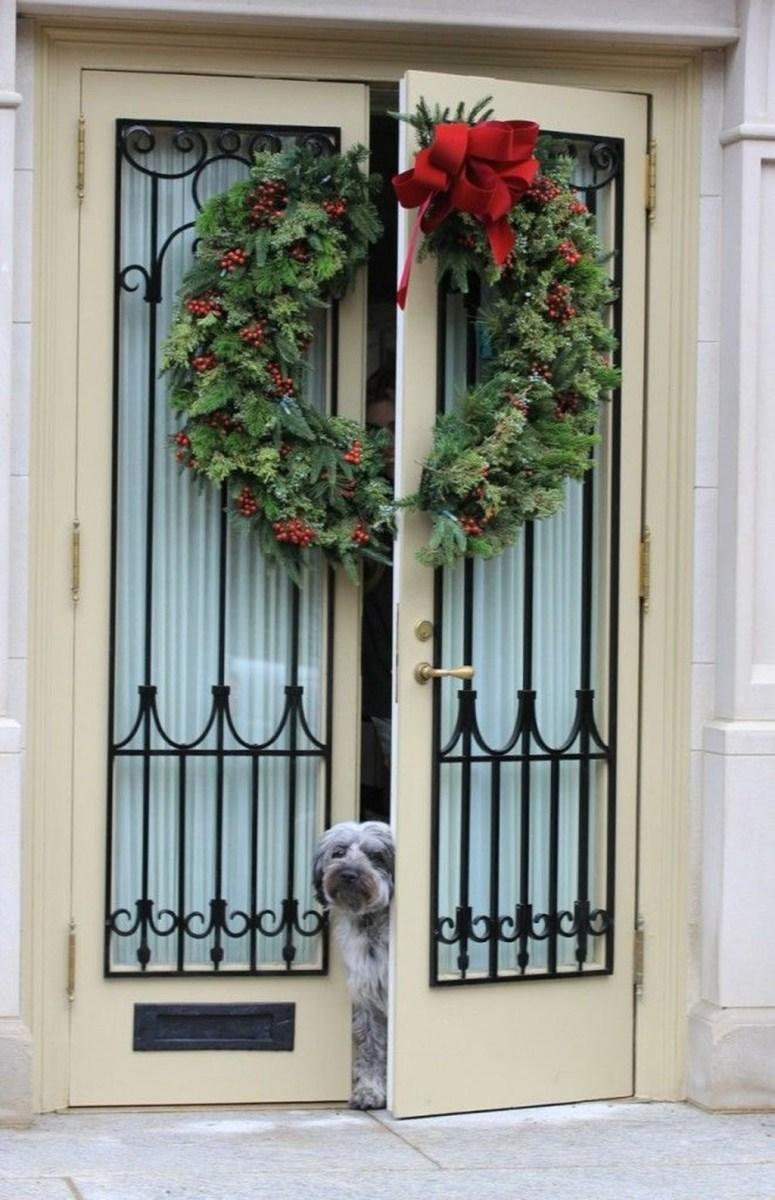 Popular Winter Front Door Decoration Ideas 27