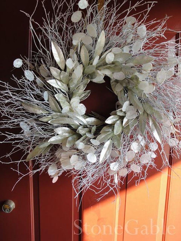 Popular Winter Front Door Decoration Ideas 29