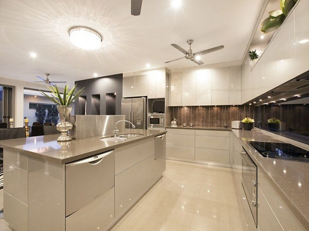 Stunning Modern Kitchen Design 33