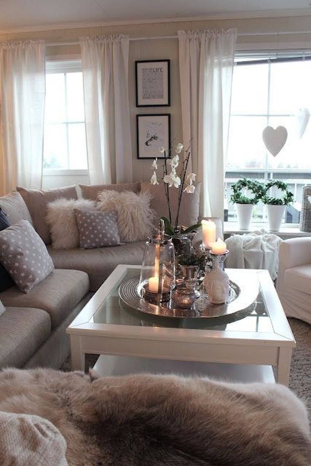 Stunning Romantic Living Room Decor 13