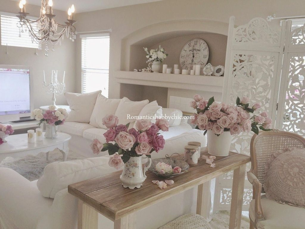 Stunning Romantic Living Room Decor 22