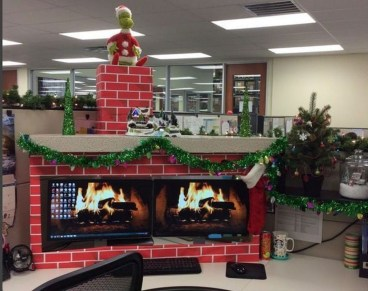 Stunning Winter Office Decorations That You Can Easily Make 14