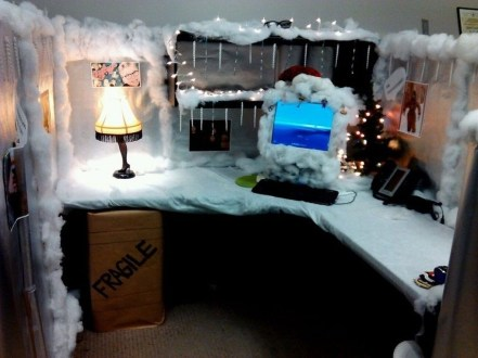 Stunning Winter Office Decorations That You Can Easily Make 20