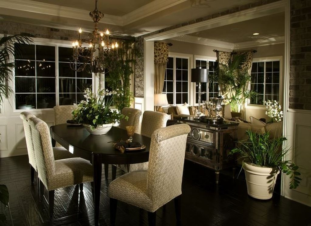 Sweet Romantic Dining Room Decor 01