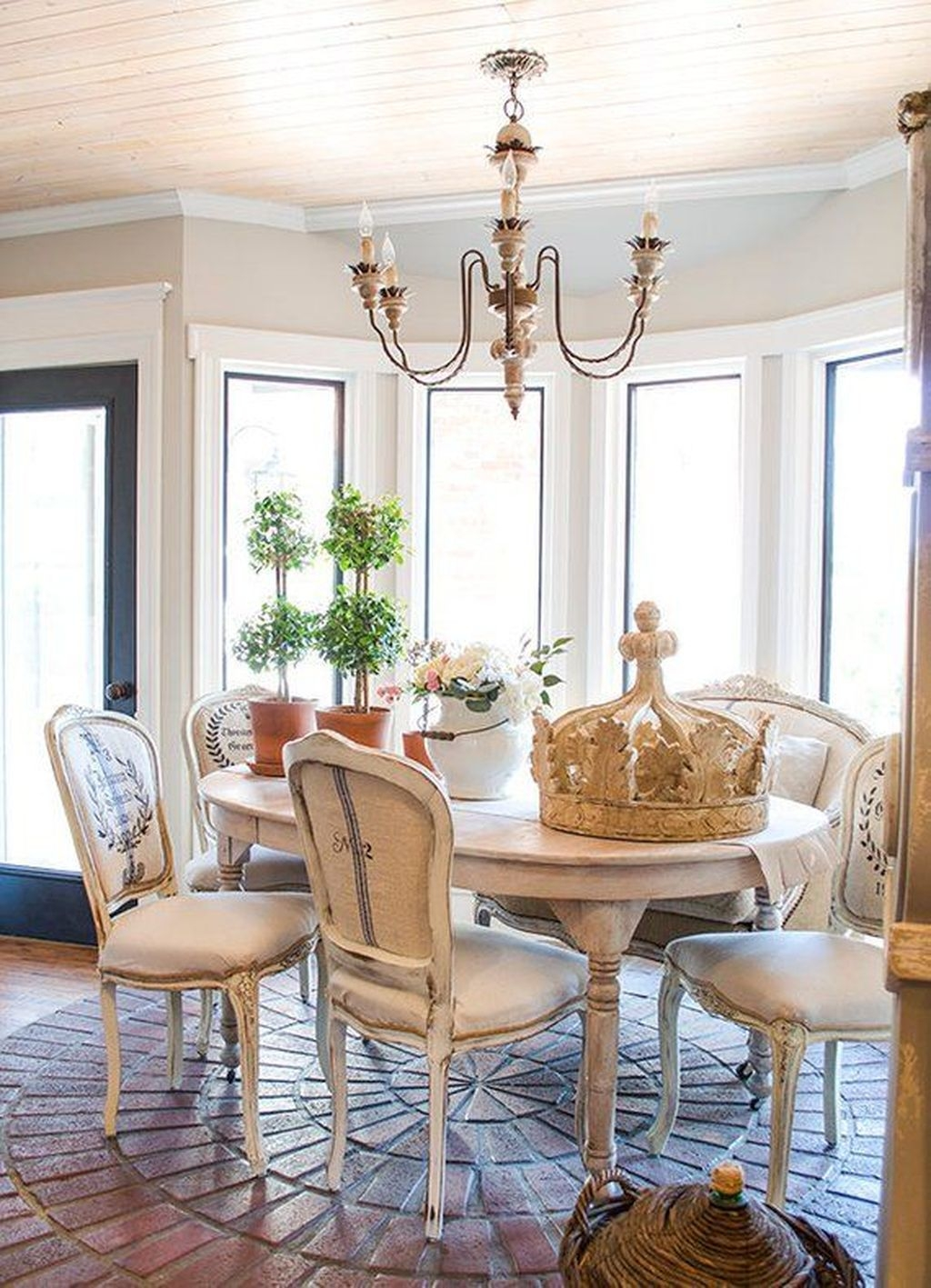 Sweet Romantic Dining Room Decor 29