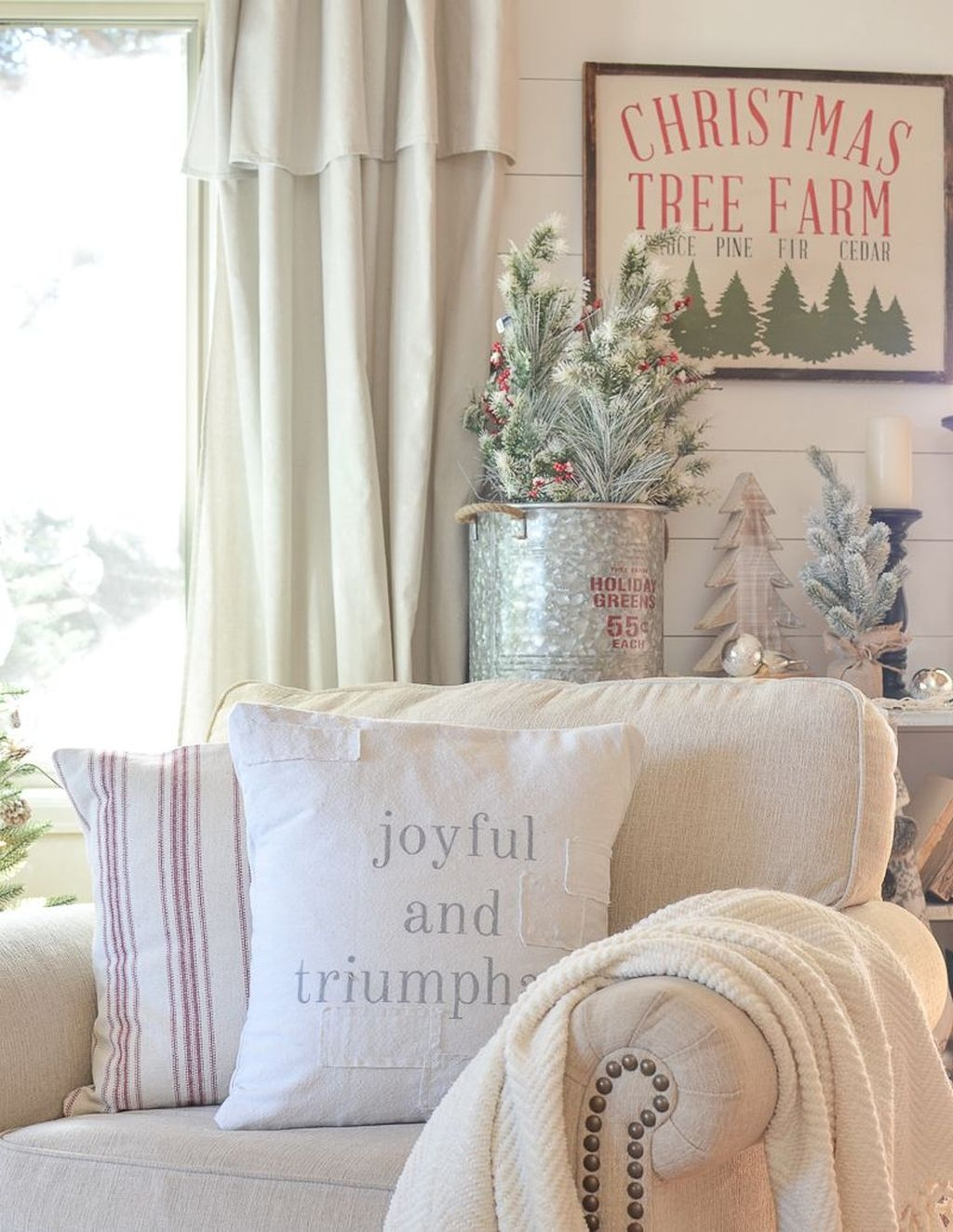 The Best Winter Decoration For Apartment 03