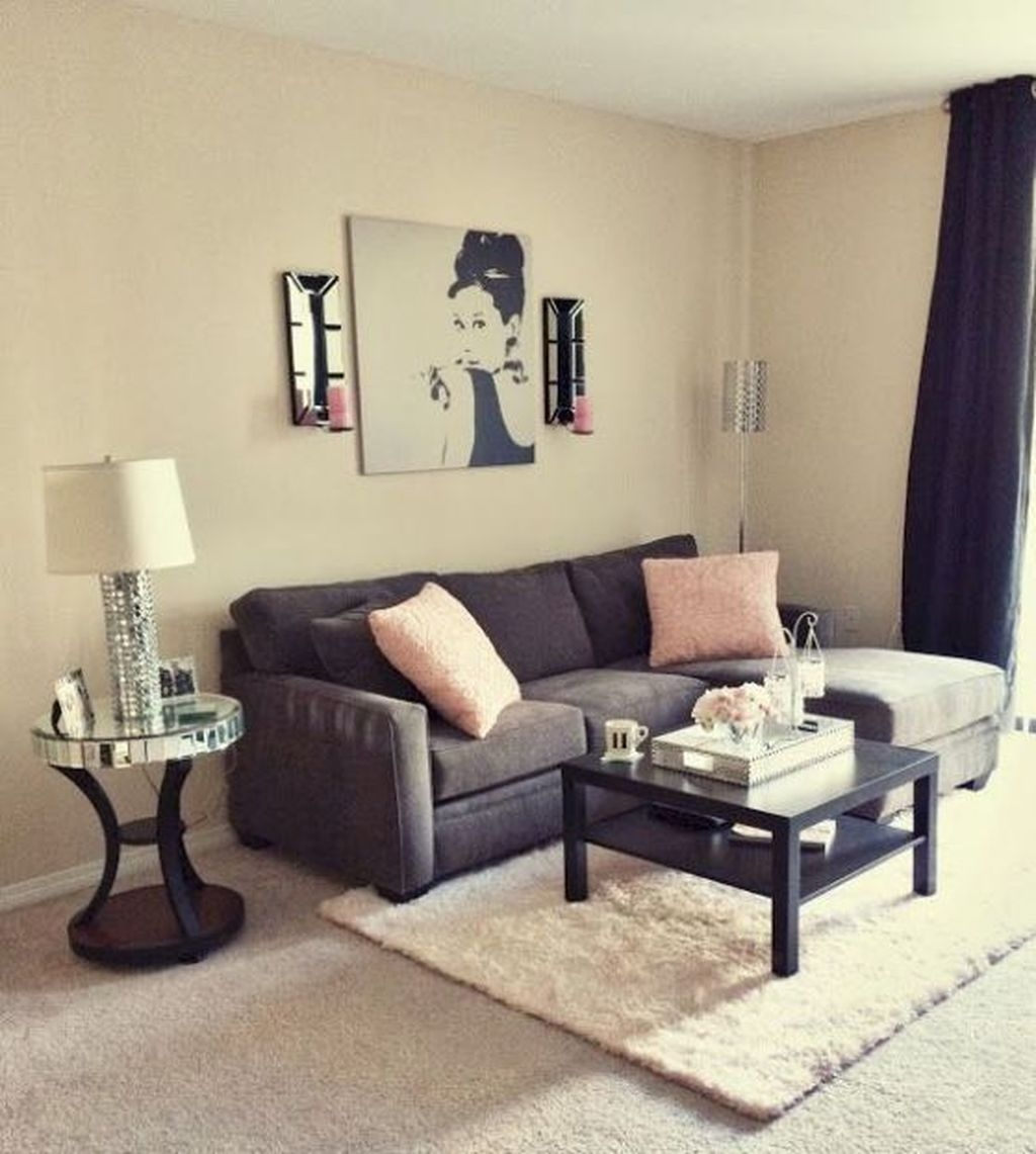Beautiful Small Space Living Room Decoration Ideas47