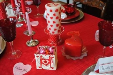 Beautiful Valentines Day Table Decor 08