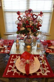 Beautiful Valentines Day Table Decor 10