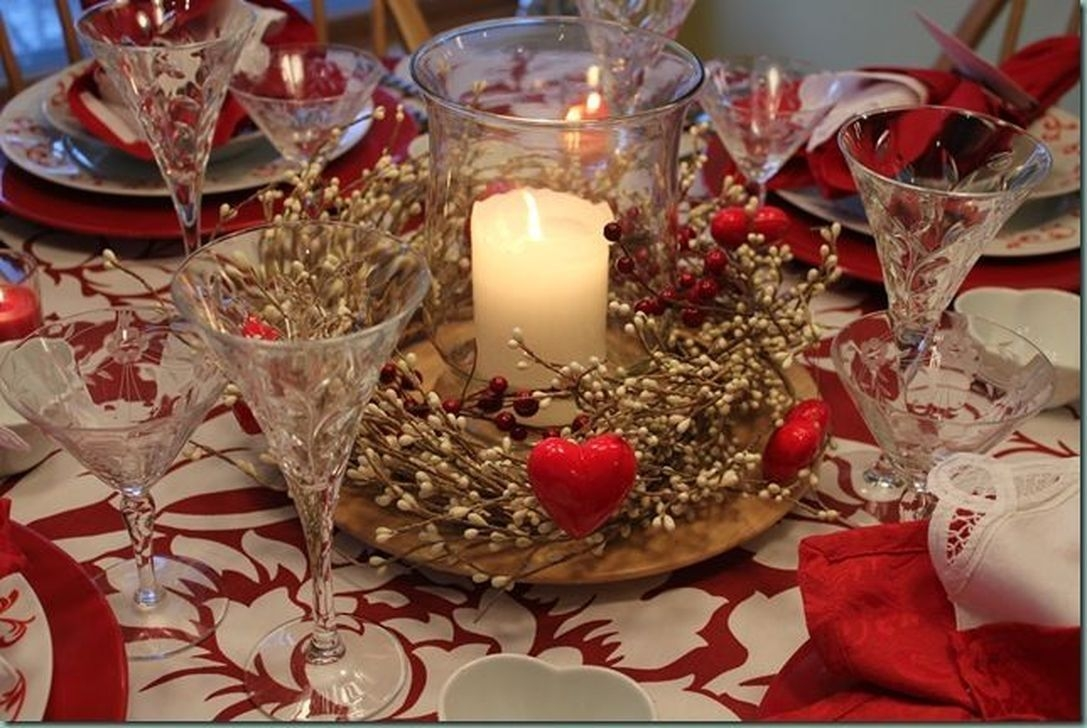 Beautiful Valentines Day Table Decor 12