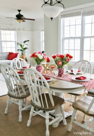 Beautiful Valentines Day Table Decor 15