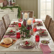 Beautiful Valentines Day Table Decor 19