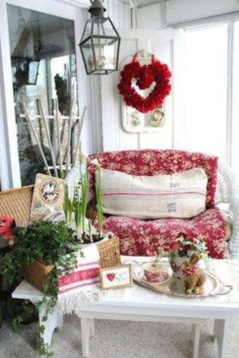 Front Porch Valentines Day Decor With LOVE Word 03