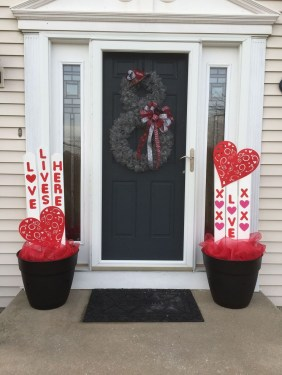 Front Porch Valentines Day Decor With LOVE Word 08
