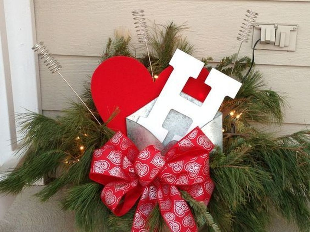 Front Porch Valentines Day Decor With LOVE Word 10