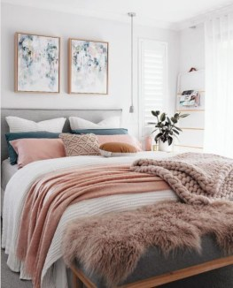 Perfect Small Bedroom Decorations 43