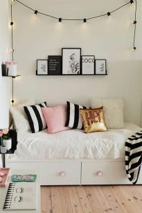 Perfect Small Bedroom Decorations 48