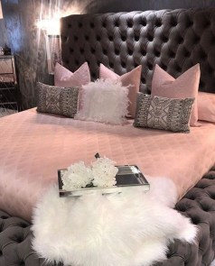 Pink Bedroom Decor You Can Try On Your Own 22