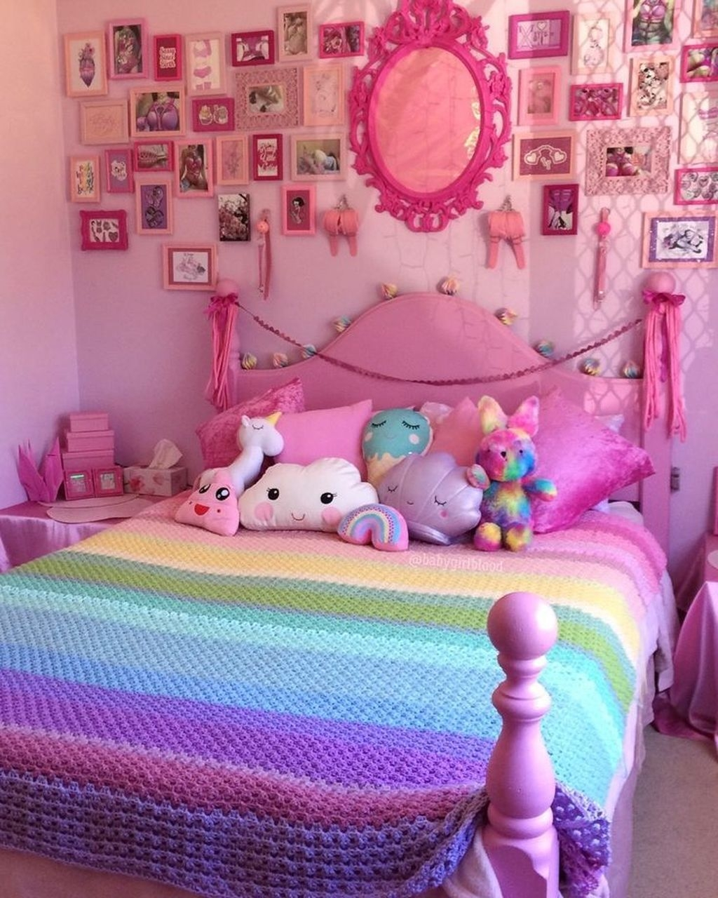 Pink Bedroom Decor You Can Try On Your Own 33