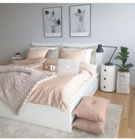 Pink Bedroom Decor You Can Try On Your Own 37
