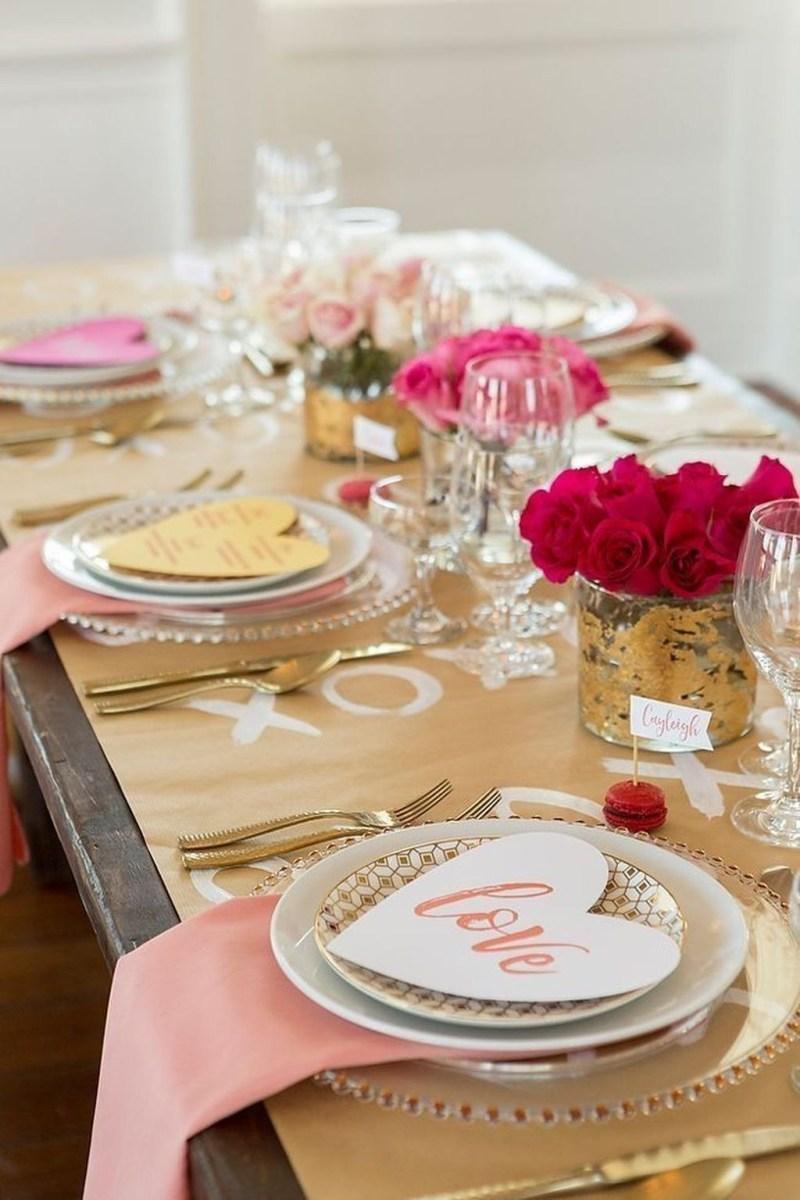 Romantic Valentines Day Dining Room Decor 08