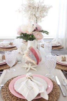 Romantic Valentines Day Dining Room Decor 14