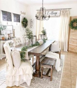 Romantic Valentines Day Dining Room Decor 28