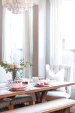 Romantic Valentines Day Dining Room Decor 33