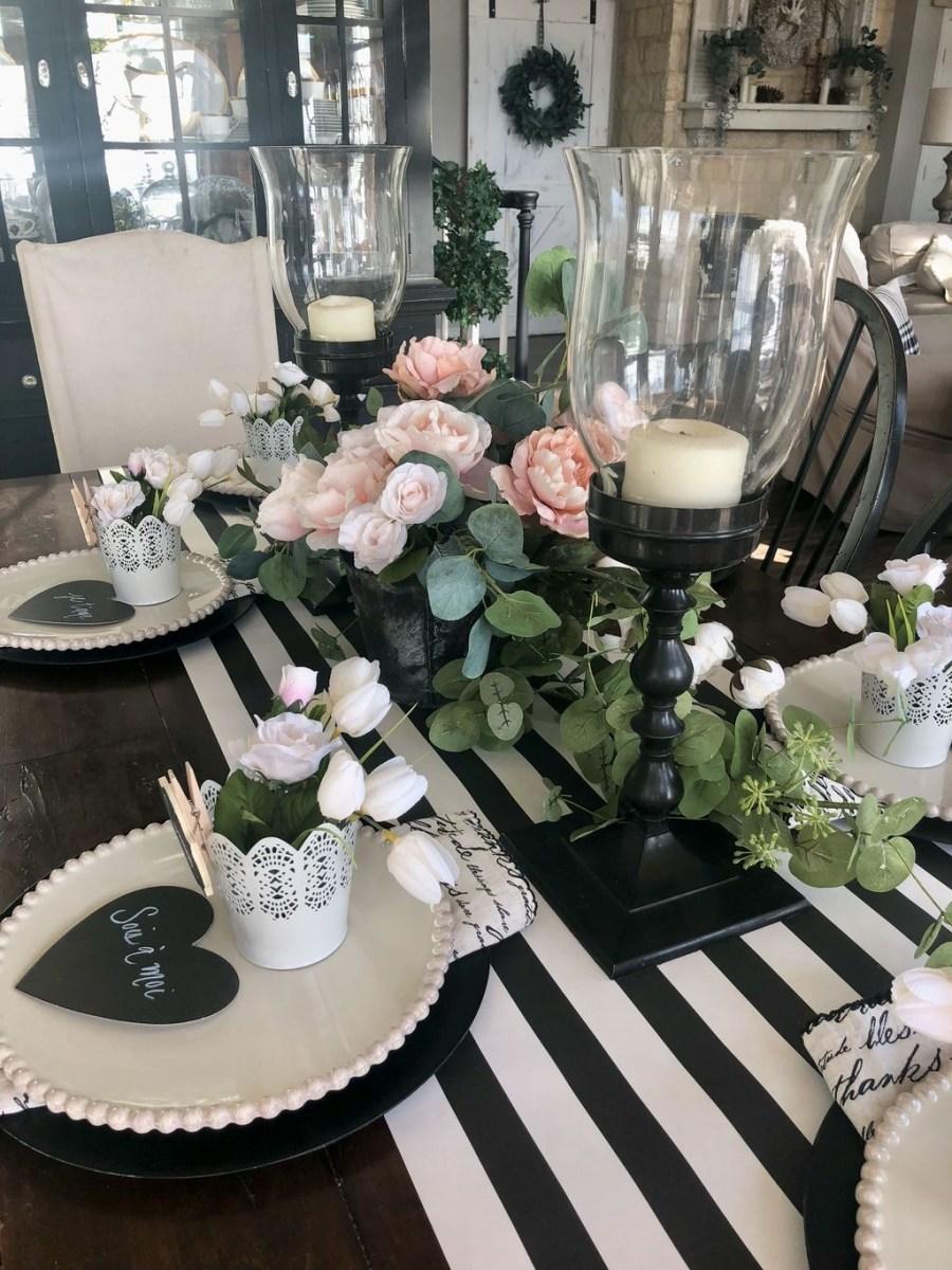 Romantic Valentines Day Dining Room Decor 35