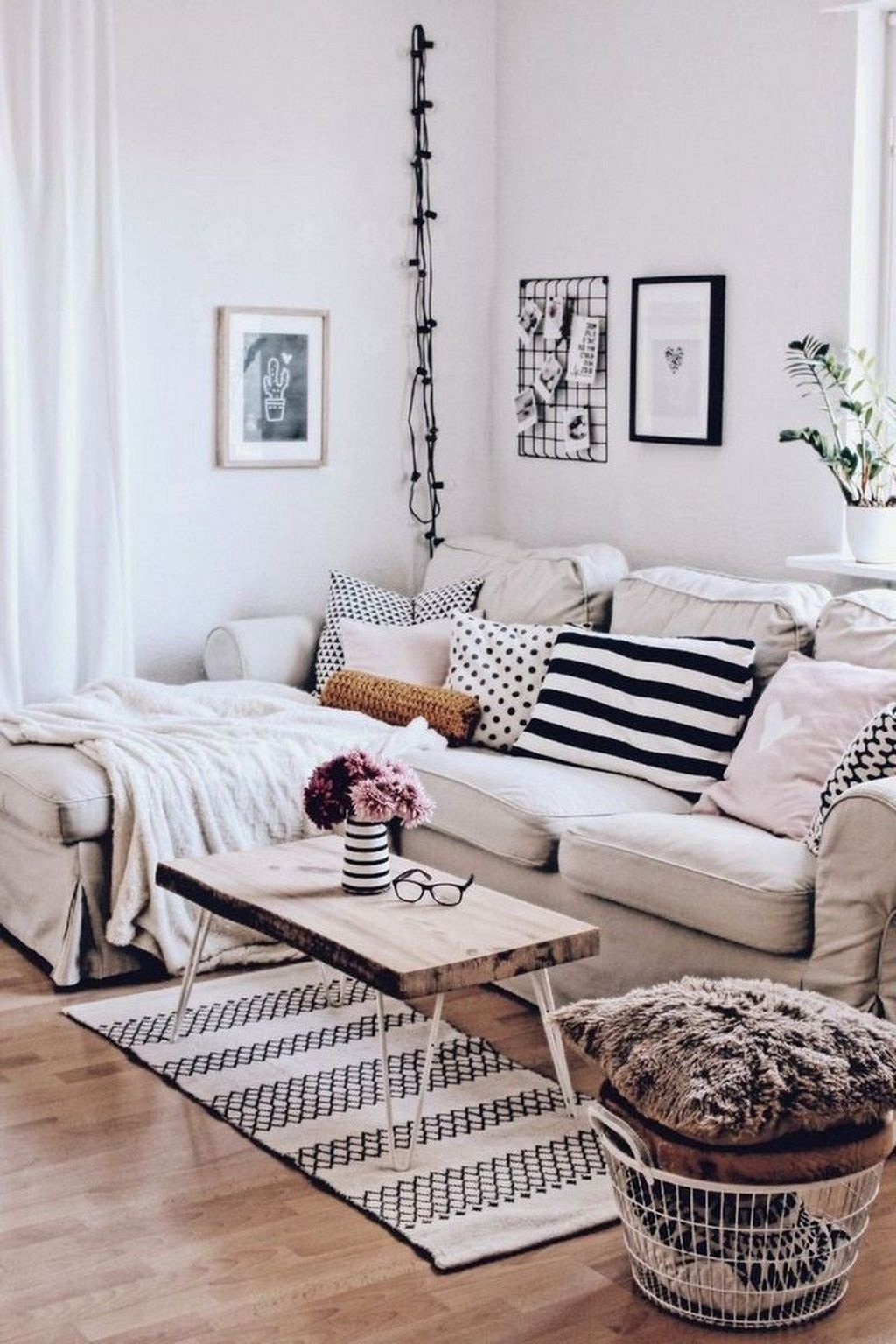 Scandinavian Living Room Design That A Lot Of People Talk About 26