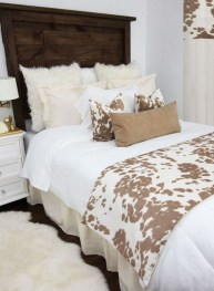 Small Master Bedroom Design With Elegant Style 09