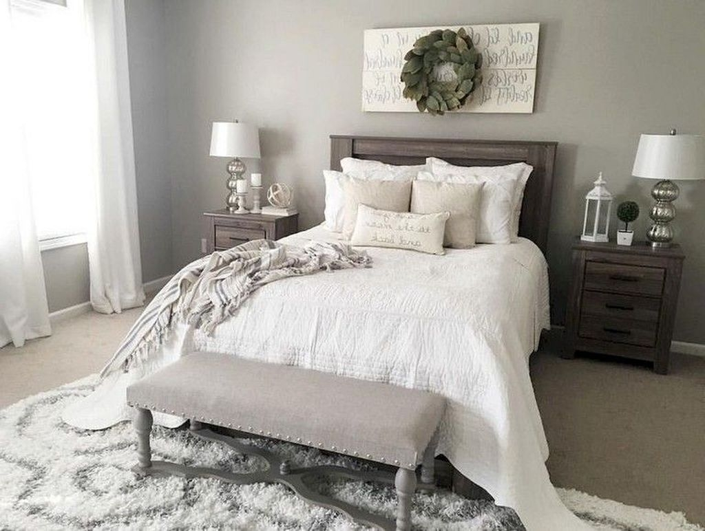 Small Master Bedroom Design With Elegant Style 30