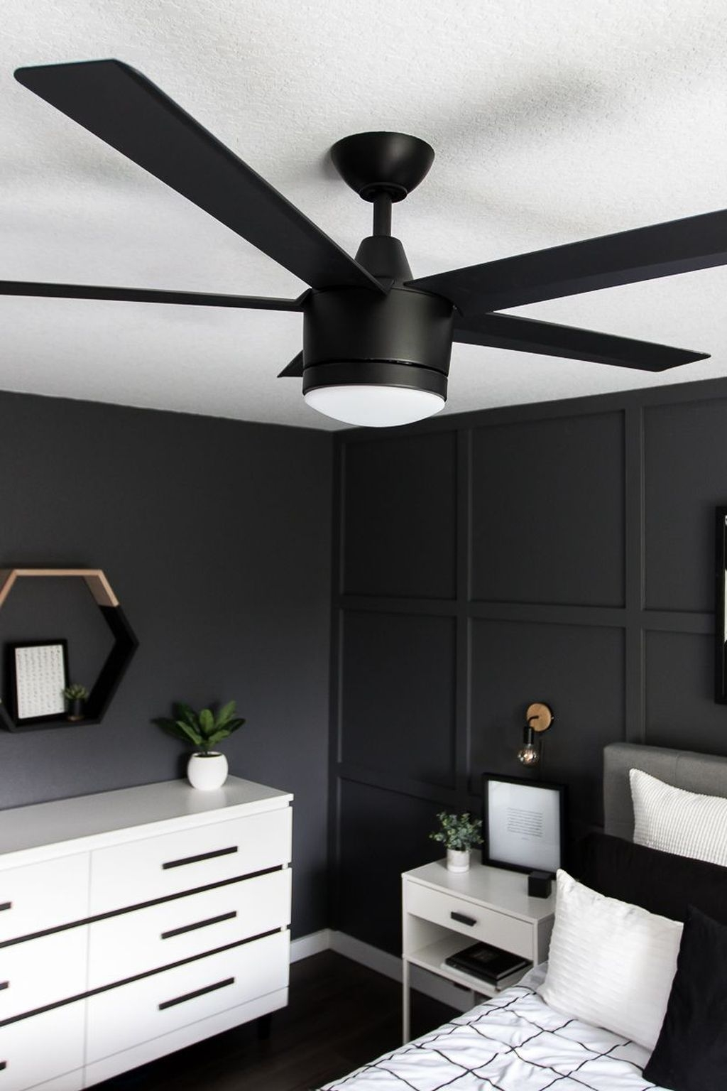 Stunning Modern Black Home Decor 02