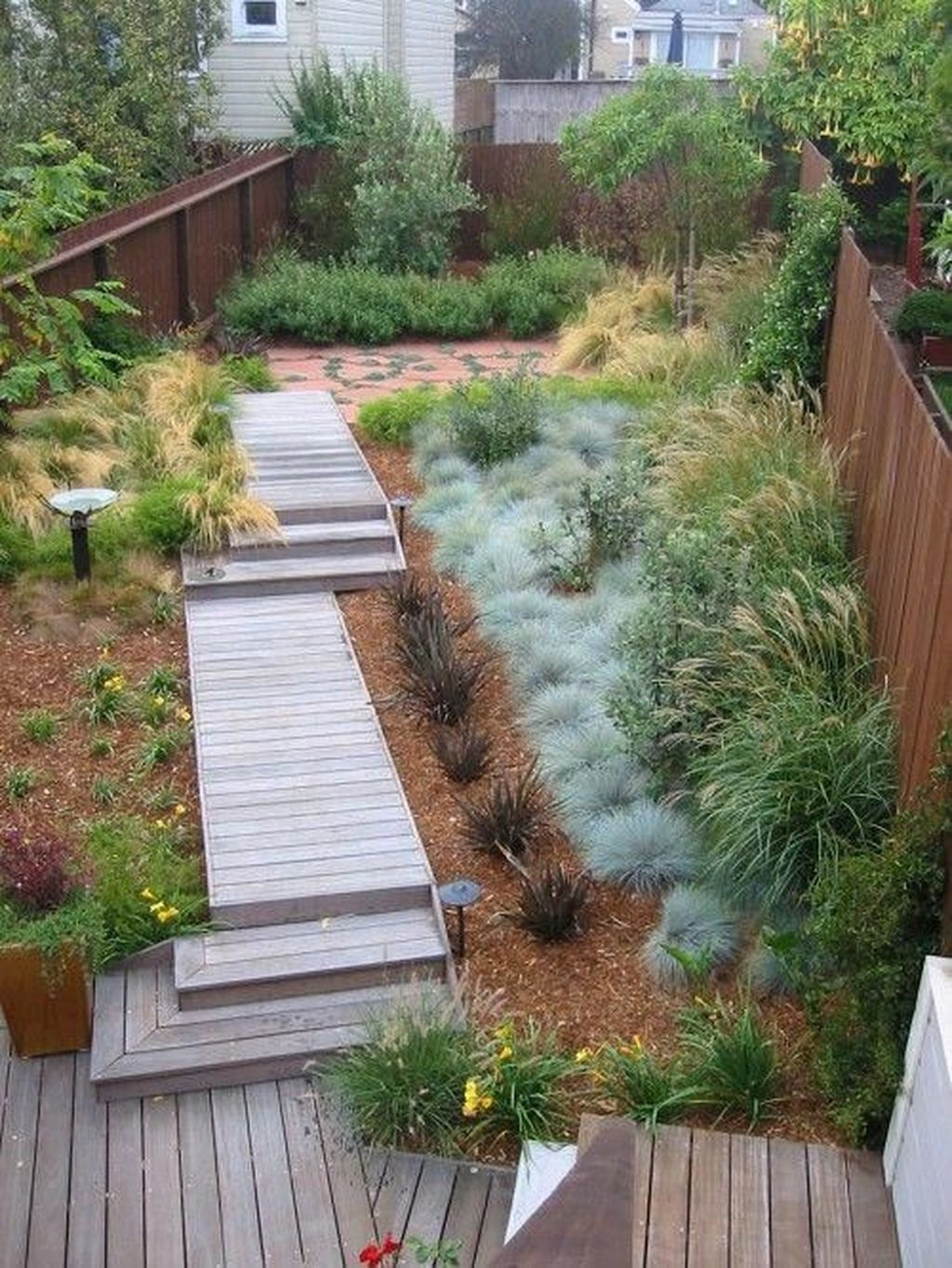 Tiny Yard Garden Design You Can Try Right Away 02
