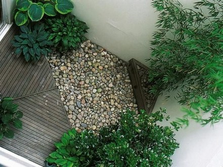 Tiny Yard Garden Design You Can Try Right Away 18