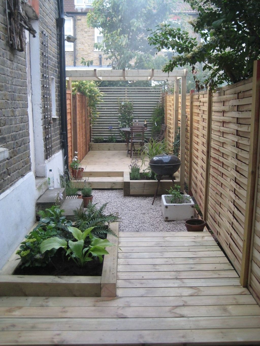 Tiny Yard Garden Design You Can Try Right Away 26