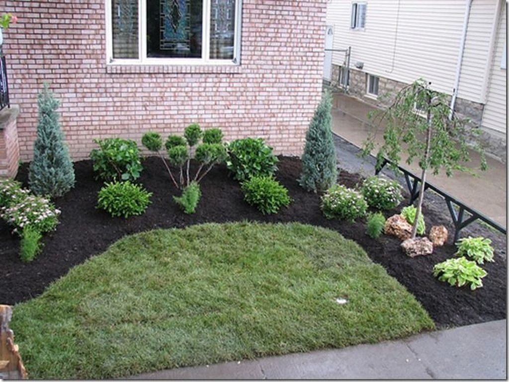 Tiny Yard Garden Design You Can Try Right Away 30