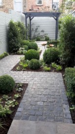 Tiny Yard Garden Design You Can Try Right Away 37