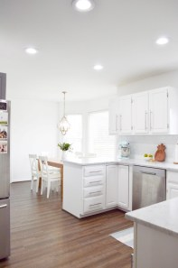 Upgrading Your Wall For Romantic Kitchen Decorations 40