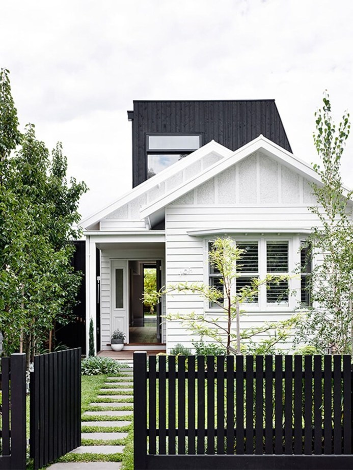 Front Yard Fence Ideas That You Need To Try 04