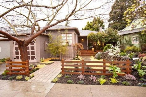Front Yard Fence Ideas That You Need To Try 27