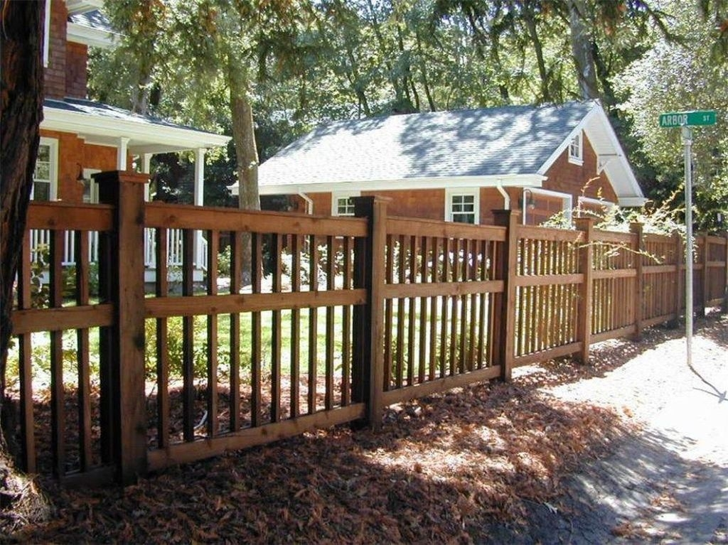 Front Yard Fence Ideas That You Need To Try 42