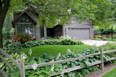 Front Yard Fence Ideas That You Need To Try 44