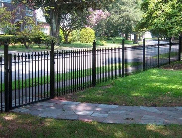 Front Yard Fence Ideas That You Need To Try 49