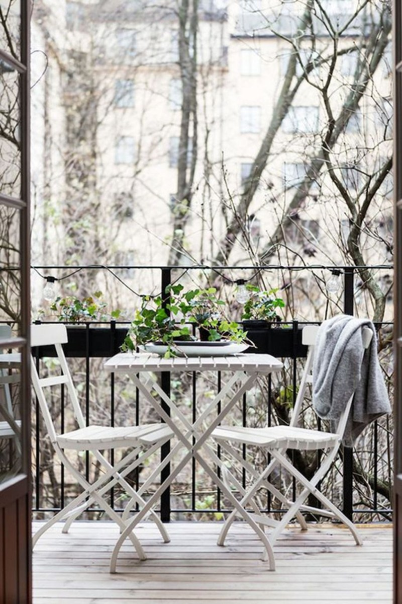 Popular Apartment Balcony Design For Small Spaces 06